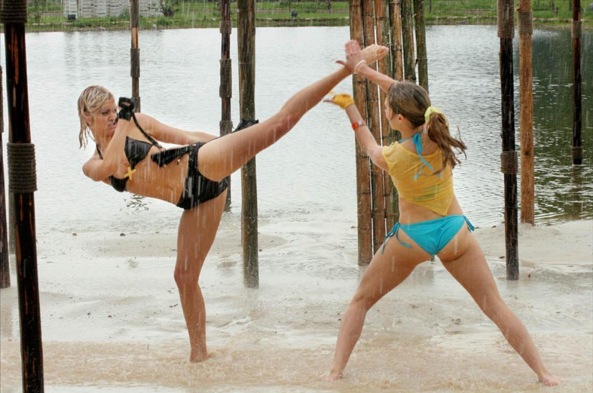 Женские драки на пляже фото